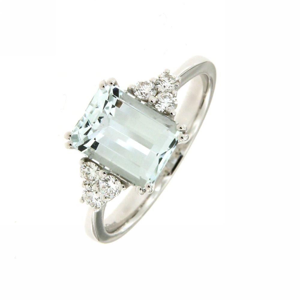 Anello con Acquamarina e Diamanti 0,25 ct