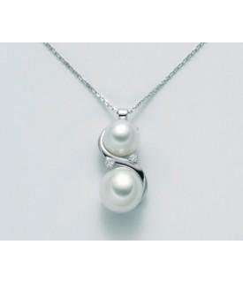 Collana con perle e diamanti