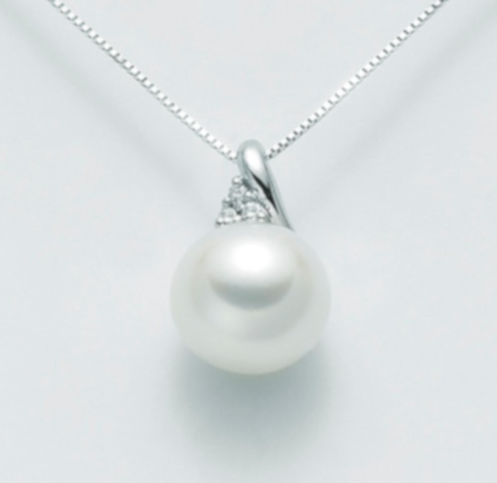 Collana con perla 8,5/9 e diamanti 0,021 ct