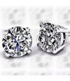 Earrings with diamond